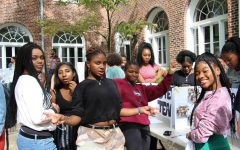 Upper School Students Attend the Annual Club Fair